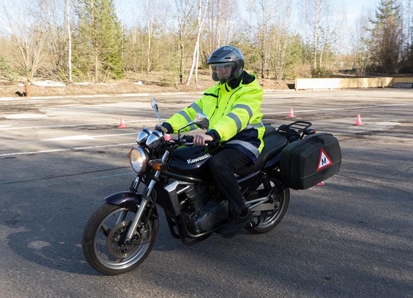 Учебный мотоцикл Kawasaki ER-5